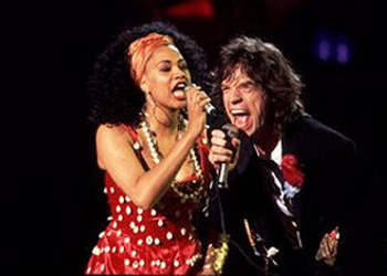 Lisa and Mick singing Gimme Shelter.