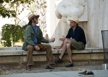 Anderson and Phoenix on the set of Inherent Vice.