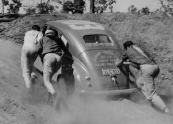 A scene from the 1954 Redex Trial